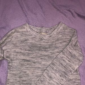 grey and white hollister knit sweater